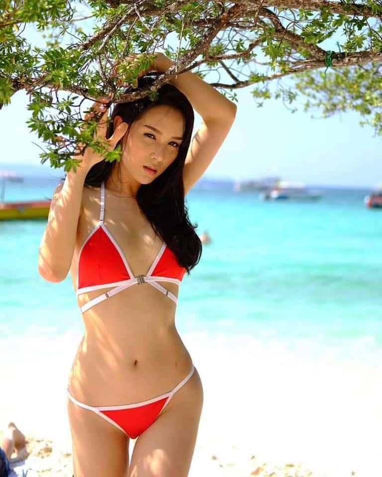 La estrella transexual tailandesa Jirachaya Mo Sirimongkolnawin